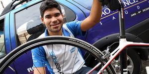 Após ser atropelado por caminhão, ciclista celebra vida: 'Um milagre' (Cleber Akamine / Globoesporte.com)