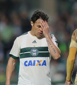 coritiba x sport brasileirão couto pereira  KLEBER (Foto: Giuliano Gomes/PR Press)
