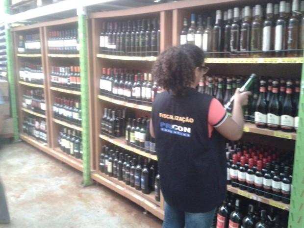 Procon realizou pesquisa em dez supermercados de Palmas (Foto: Divulgação/Procon)