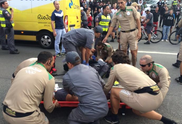 acidente tour da tocha colisão moto e bicicleta batedores osasco (Foto: Fernando Vidotto)