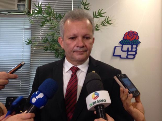 G1 - PDT anuncia filiação dos irmãos Cid e Ciro Gomes - notícias em