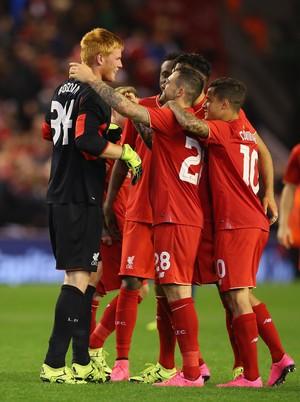 Liverpool comemora classificação na Copa da Liga Inglesa (Foto: Alex Livesey/Getty Images)