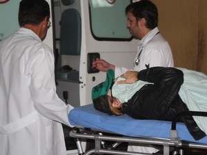 Com suspeita de leucemia, 'Ken Humano' é transferido de hospital (Foto: Maritza Borges/ G1)
