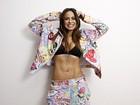 Alinne Rosa mostra barriga sequinha em ensaio e diz: 'Nenhum abdominal'