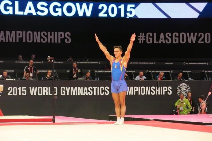 Marian Dragulescu no treino de pódio do Mundial de Glasgow (Foto: Marcos Guerra)