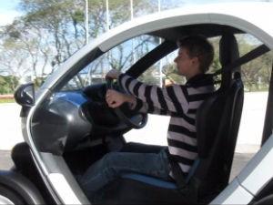Foi a primeira vez que Marcos Pacheco experimentou veículos elétricos (Foto: Samuel Nunes/G1)