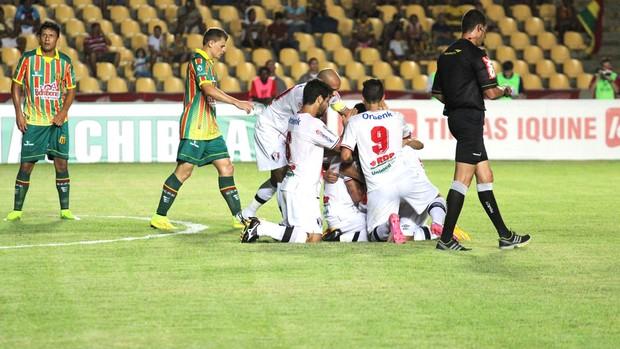 Comemoração do Joinville contra o Sampaio Correa  (Foto: Reprodução / Facebook do Joinville)