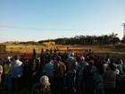 Integrantes do Movimento Sem Terra ocupam fazenda em Jaú