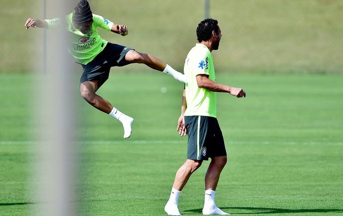 Fred NEymar Brasil treino (Foto: Gaspar Nobrega / Vipcomm)