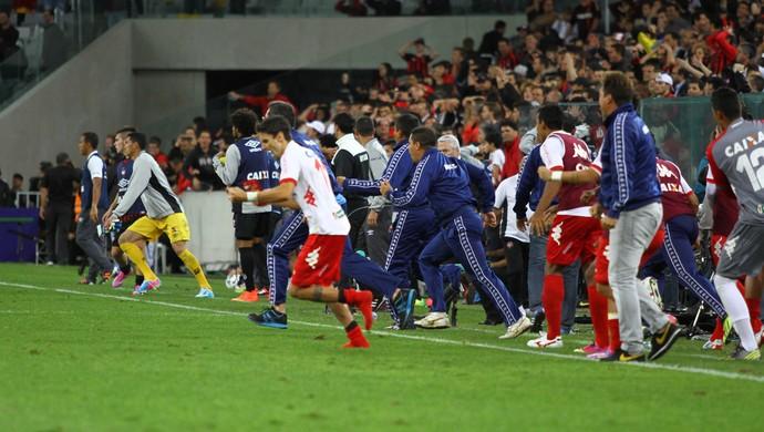 América-RN comemora classificação contra atletico-pr copa do brasil (Foto: PAULO LISBOA/BRAZIL PHOTO PRESS/Agência Estado)