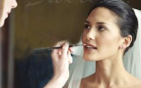 Maquiagem para noiva: saiba o que é certo e o que é errado