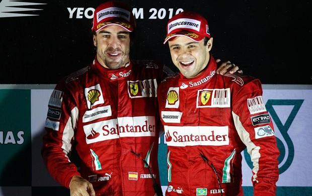 Alonso e Massa no pódio da Coreia, em 2010 (Foto: Getty Images)