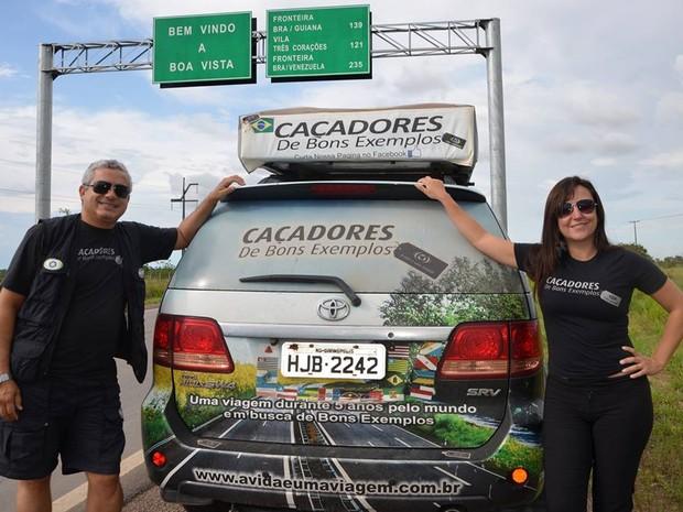 Casal de Divinópolis largou tudo para viajar o mundo em busca de bons exemplos (Foto: Iara/Divulgação)