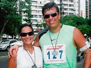 Kika e Marcos participando de uma corrida em Salvador. (Foto: Arquivo Pessoal)