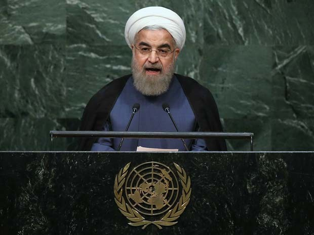 O presidente iraniano Hassan Rouhani discursa neste segunda-feira (28) na Assembleia Geral da ONU (Foto: John Moore/Getty Images/AFP)