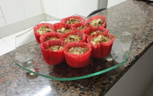 Cupcake de maçã,  granola e castanhas