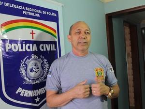 Delegado Magno Neves investiga motivação da chacina (Foto: Taisa Alencar / G1)