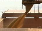 Chuva atrapalha embarque da safra de grãos no porto de Paranaguá (PR)