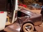 Batida frontal entre carro e ônibus mata uma pessoa na BA-676, em Una