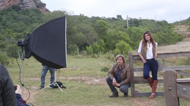 A atriz Cristiana Oliveira, ao lado de Edson Celulari, durante as gravaes da srie 'Animal' (Foto: Divulgao/GNT)