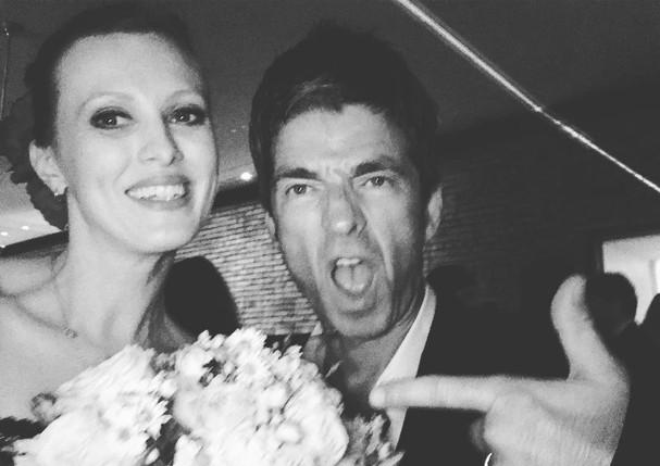 Karen Elson arremata buquê de casamento de Michelle Alves (Foto: Reprodução/Instagram)