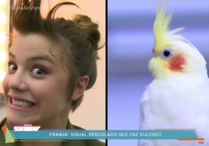 Alice brinca e se compara com calopsita quando a franja acorda rebelde (Foto: TV Globo)