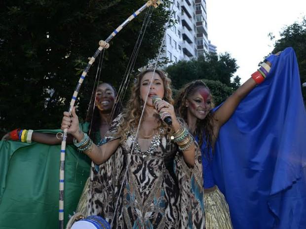 Daniela Mercury puxa pipoca no Campo Grande (Foto: Sérgio Pedreira/Ag. Haack)