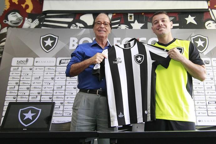 7498b53264 Antônio Lopes e Anderson Aquino (Foto  Vitor Silva SSPress Botafogo.)  Gerente de futebol