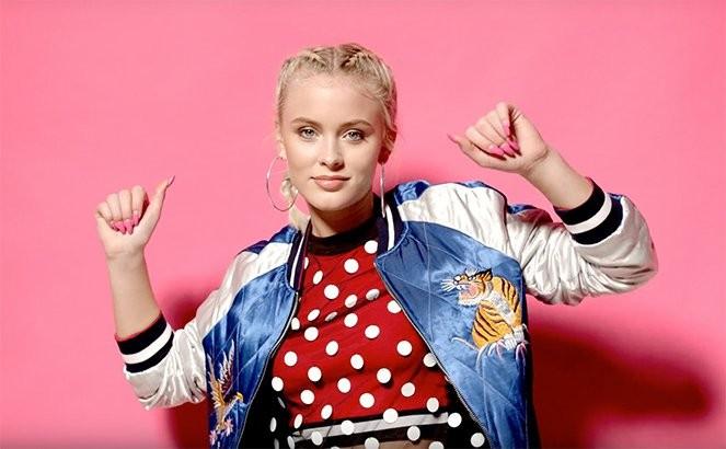 Zara Larsson  criticada por aparecer 'americanizada' no novo clipe de 'Lush Life' (Foto: Reproduo)