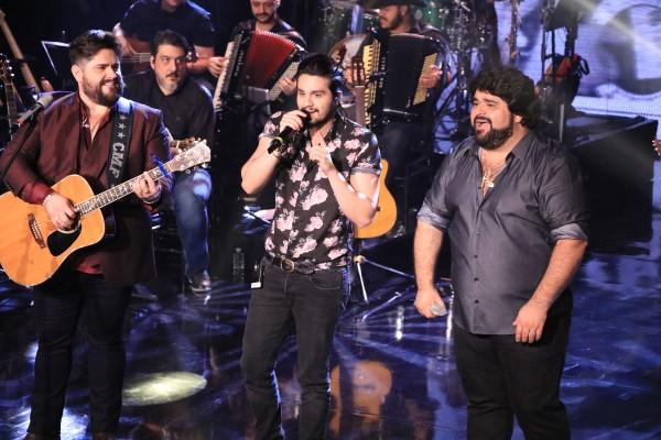 César Menotti e Fabiano gravam DVD com Luan Santana e mais