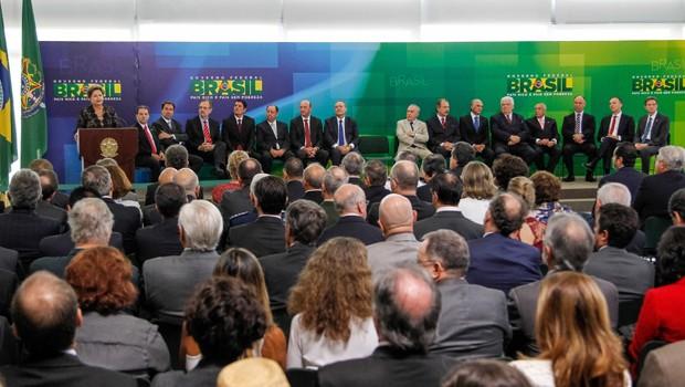 Em mais uma etapa da reforma ministerial, Dilma deu posse a seis novos ministros no Palácio do Planalto (Foto: Roberto Stuckert Filho/PR)