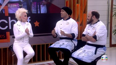 Ana Maria conversa com os participantes do Super Chef Celebridades