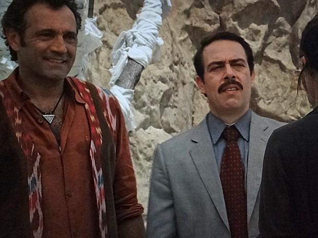 Que cilada! Murat é apresentado a Morena (Foto: Salve Jorge/TV Globo)