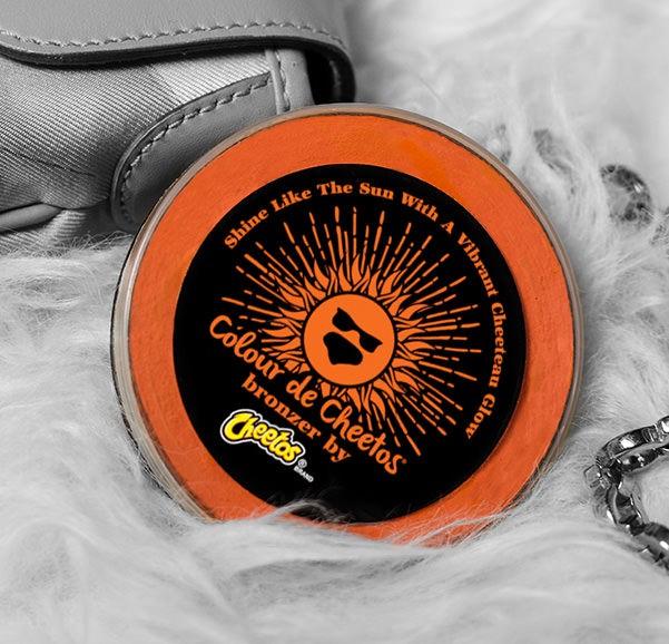 O bronzer da Cheetos (Foto: Divulgação)