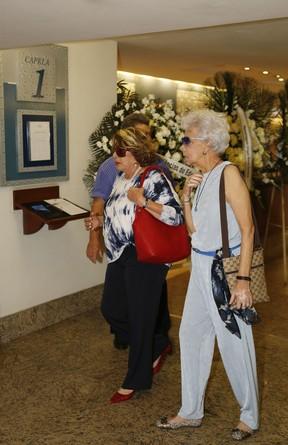 Amigas de Jô Soares, no velório de Rafael Soares (Foto: Marcos Serra Lima/EGO)