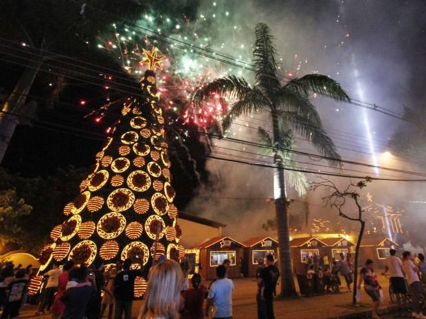 Depois do Coral de Itaipu, programação de abertura do Natal em Foz do Iguaçu (PR) terá a chegada do Papai Noel e a tradicional queima de fogos (Foto: Prefeitura Municipal de Foz do Iguaçu / Divulgação)