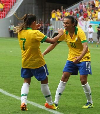 débinha marta brasil 3 x 1 escócia torneio internacional de brasília (Foto: Andre Borges / GDF)