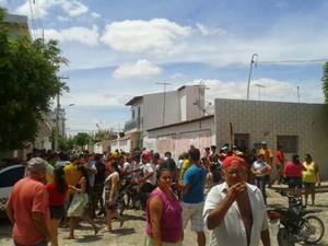 Crime aconteceu na frente de um bar no município de Apodi, RN (Foto: Soldado Coriolano/ PM de Apodi)