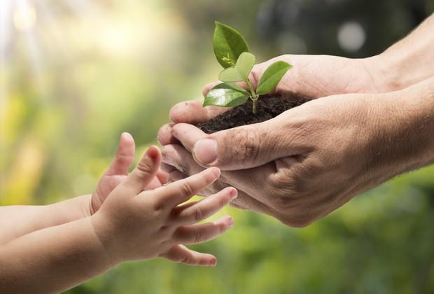 O mundo precisa de crianças que tenham valores como respeito aos outros e à natureza (Foto: Thinkstock)