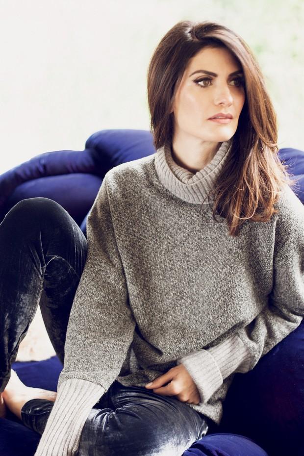 Isabella Fiorentino veste suéter (R$ 589) e calça (R$ 439), ambos da sua segunda coleção em colaboração com o OQVestir (Foto: Divulgação, Higor Bastos e Nicole Fialdini )