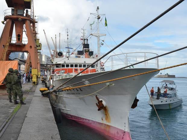 Navio será inspecionado pelo Ibama, pela Receita e pela Polícia Federal (Foto: Divulgação / Marinha do Brasil)