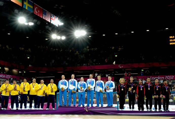 Seleção brasileira levou a prata no goalball em Londres 2012. Finlândia ficou com o ouro (Foto: Dennis Grombkowsk/GettyImages)