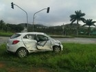 Casal e dois filhos ficam feridos em acidente com caminhão no ES