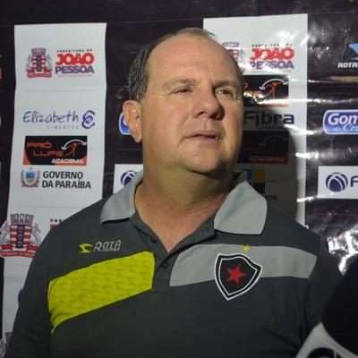 Marcelo Vilar, treinador do Botafogo-PB (Foto: Hévilla Wanderley / GloboEsporte.com/pb)