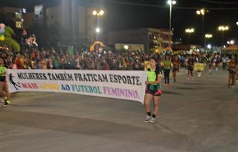 Grupo pede apoio ao futebol feminino em desfile cívico no interior do Acre
