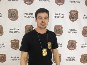 Delegado Allan Teixeira Cesar conduziu a operação nesta quarta-feira (7) (Foto: John Pacheco/G1)