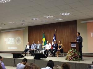 Rui Costa se reuniu com prefeitos da Bahia no auditório da Seagri, em Salvador (Foto: Henrique Mendes / G1)
