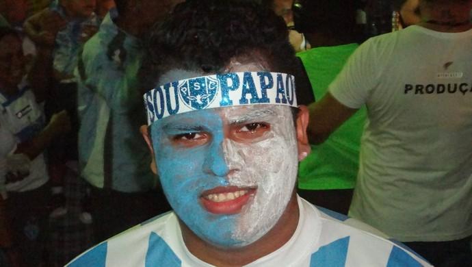 Torcedor do Paysandu mostra o amor pelo clube (Foto: Gustavo Pêna)