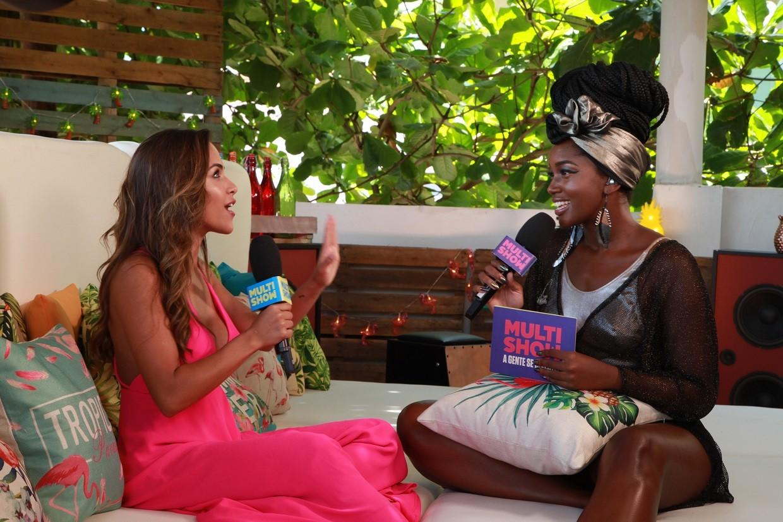Gabi Luthai  a primeira convidada de Iza no 'Vero Pesado' (Foto: Carlos Cardeal Jr./Multishow)