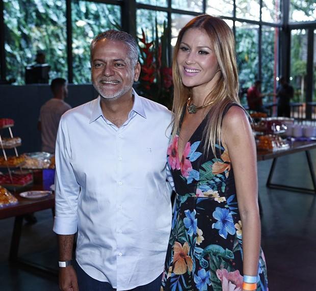 Ellen Jabour e Isaac Edington, presidente da Saltur (Foto: Ricardo Cardoso/ Ed. Globo)